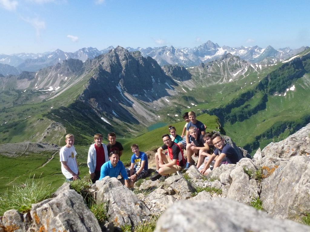 Berggipfel, Königsschlösser, Hüttentour, München, Rafting – viele neue und tolle Eindrücke bei der Allgäu-Freizeit
