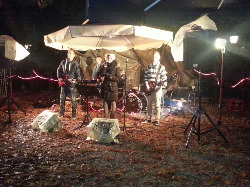 """Jugendband """"SWITCH!"""" setzten Idee vom """"Winter-Open-Air"""" auf Babenhäuser Weihnachtsmarkt um!"""
