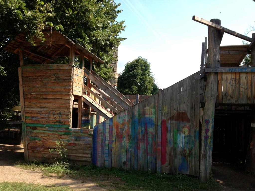 """16 mutige Kinder unternehmen einen Ausflug zum Abenteuerspielplatz """"Günthersburg"""""""