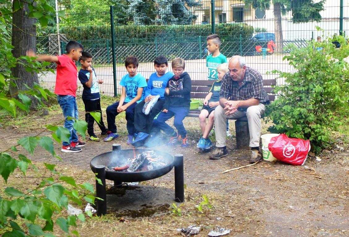 """1. Internationales Gartenfest im Garten der """"Anlaufstelle im Erloch"""""""