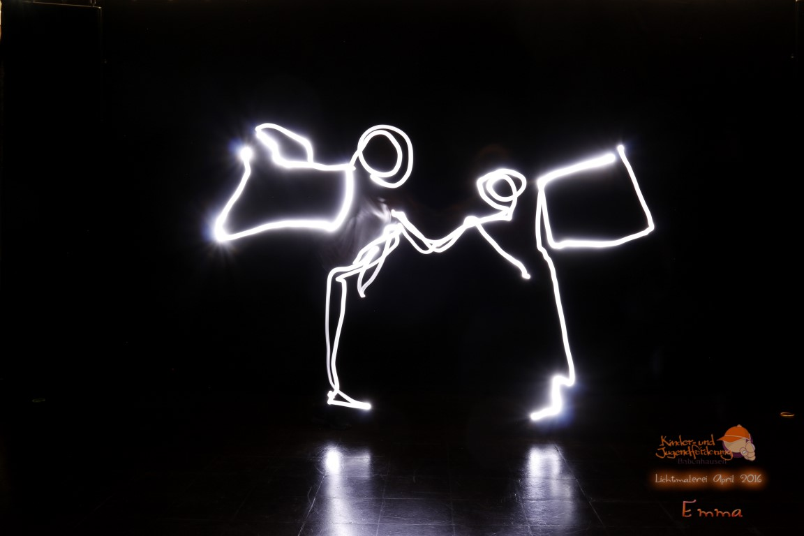 """Kreativ-Workshop """"Lichtmalerei"""" im Babenhäuser Jugendzentrum"""