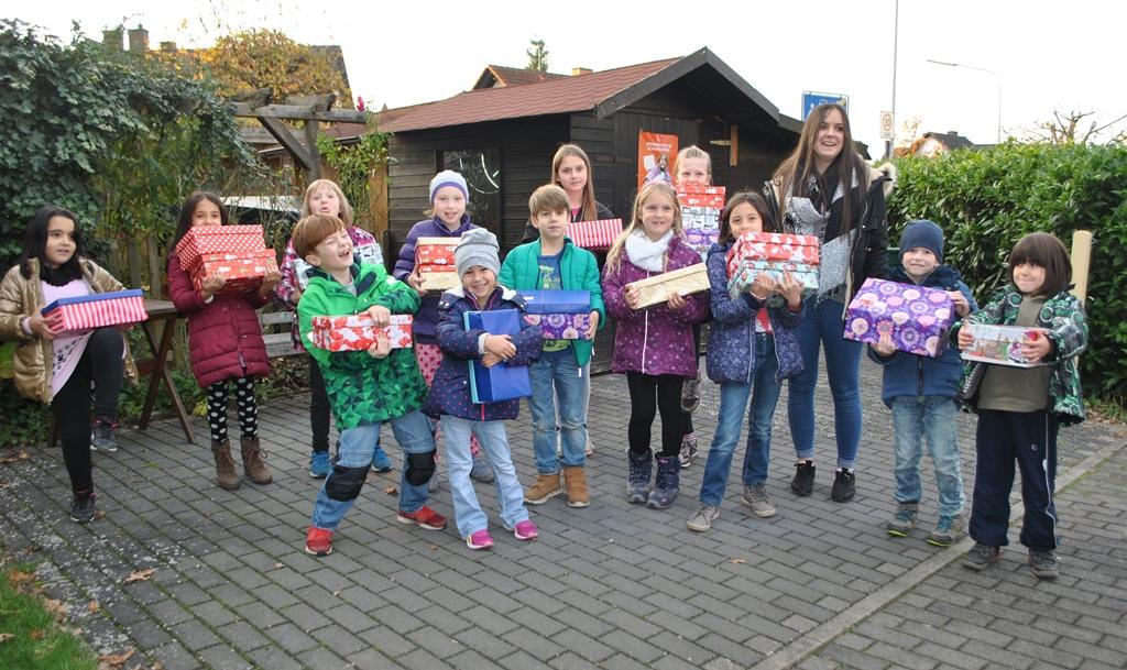 """Offener Kindertreff beteiligt sich bei der Aktion """"Weihnachten im Schuhkarton""""!"""