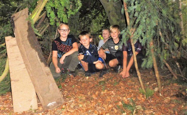 Boyz-Day: Auf den Spuren von Robin Hood und OUTDOOR-ACTION im Wald